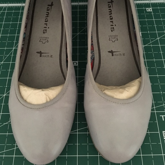 Tamaris grey leather hidden wedges, size 8 (39)